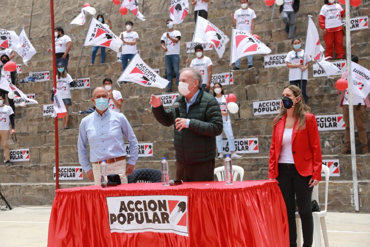 Alfredo Barnechea presenta su plancha presidencial